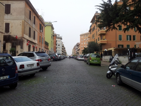 Locale commerciale Via Pietro Colletta Roma - mq 30 - € 650,00