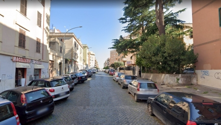 Locale commerciale Via Pietro Colletta Roma - mq 30 - € 119.000,00